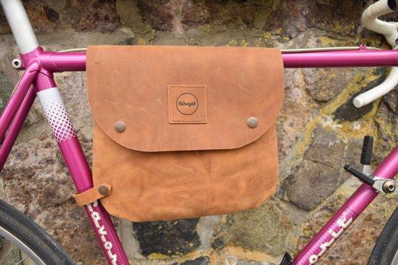 Kožená taška na rám kola Bikegab - Kliknutím zobrazíte detail obrázku.